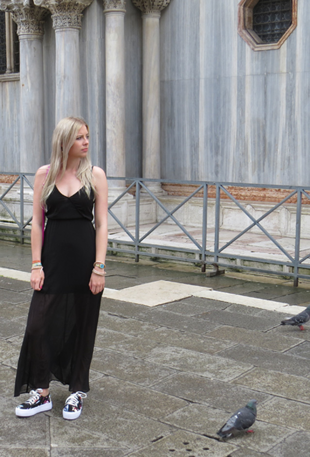 Venedig, Ausflug, Vlog, Blog, Blogger, Beauty Blog, Fashion, Schwarz, Black, pop Farbe, H&M, H und M, Casio, regen, sonne, Outfit, Sommer outit, Festival style, Maxikleid, Maxikleid stylen, alltag
