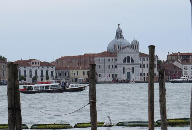 Venedig, Ausflug, Vlog, Blog, Blogger, Beauty Blog, Fashion, Schwarz, Black, pop Farbe, H&M, H und M, Casio, regen, sonne, Outfit, Sommer outit, Festival style
